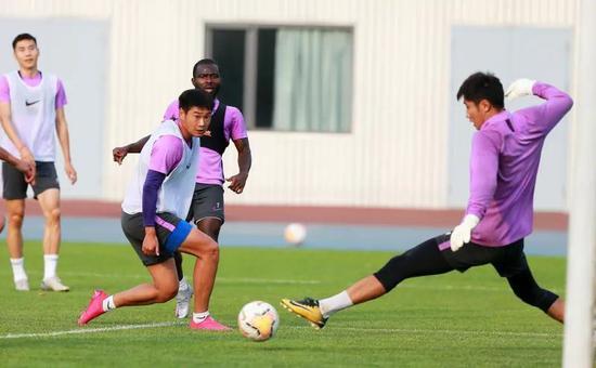 泰达穷则思变重拾18赛季阵型 新队长郑凯木是关键