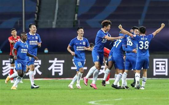 申花点球失利却赢尊重 给中国足球带来新思路