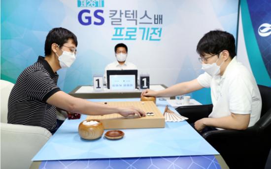 """第26届GS杯八强赛 卞相壹制服""""黑马""""金世东"""
