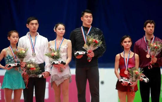 2016年中国花滑大奖赛于幼雨/张昊摘金 彭程/金杨夺银