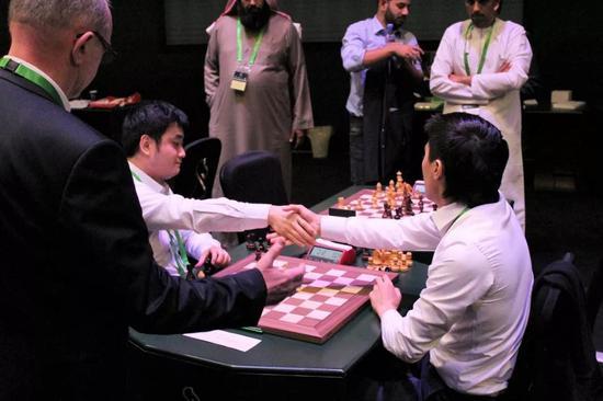 国象超快棋世锦赛首日:卡尔亚金和克拉姆林领跑