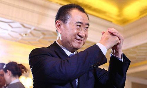 万达内部称新赛季将投10亿 王健林劝贝帅收回辞呈