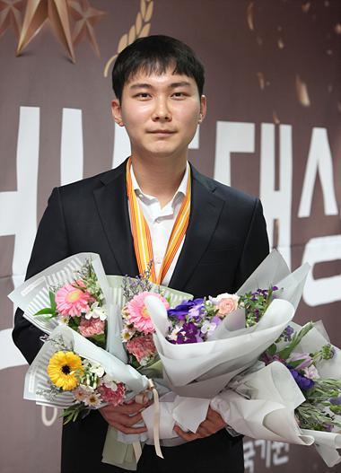 卫冕冠军朴廷桓