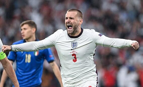 曼联大将肋骨骨裂仍踢完欧洲杯 红魔需评估他伤情