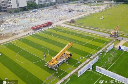 航拍苏宁基地被拆:2万平方米超豪华球场变废墟