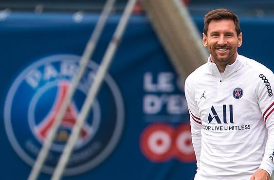 队报:梅西训练表现征服队友 有他一切都显得简单