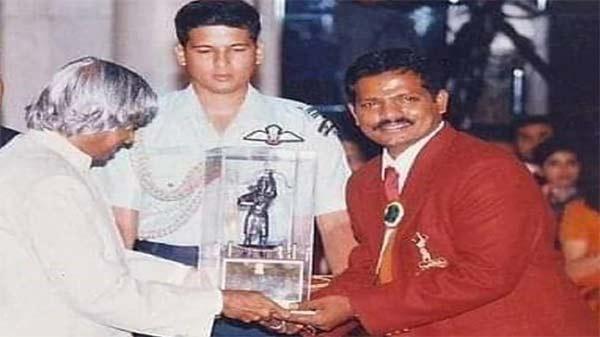 印度传奇残疾人羽毛球选手因感染新冠肺炎死亡