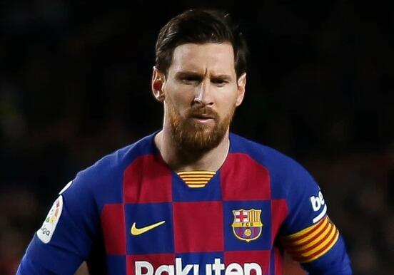 曼城曾为梅西报价2.86亿欧 阿圭罗为梅西腾出10号