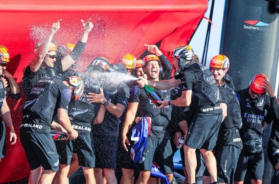 美洲杯帆船赛新西兰酋长卫冕 继2000年后再次卫冕
