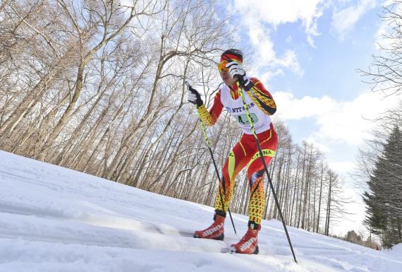 原料图:第八届亚洲冬季行动会越野滑雪外子4X7.5公里接力赛,2月24日,中国队选手尚金财在比赛中。新华社记者夏一方摄