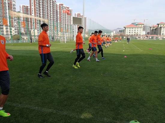 鲁能响应足协大练兵进行YOYO体测 评估球员体能