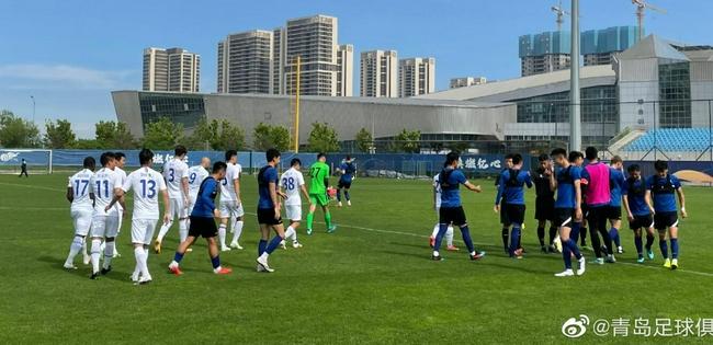 青岛队热身申花惜两连败 喜强力外援两场都有进球