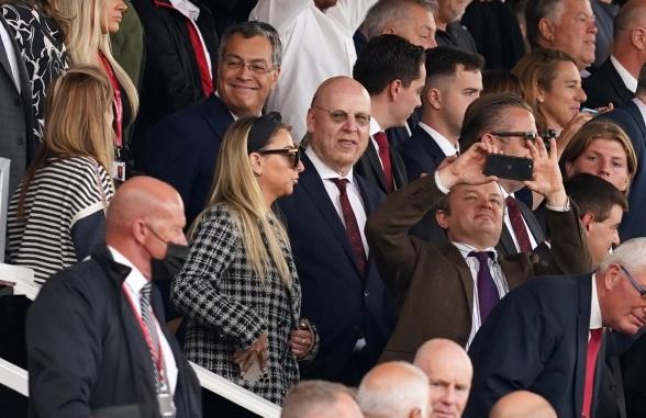 C罗有面子!曼联老板两年来首次现身 众名人捧场