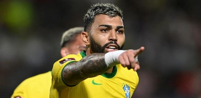 阿媒:巴西一边睡觉一边踢都赢了   这太可怕!