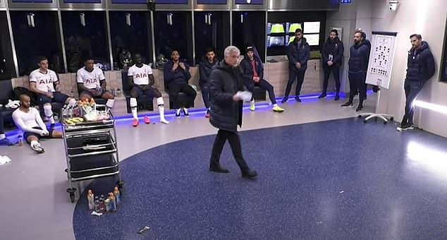 穆里尼奥更衣室演讲曝光:只有当恶霸才能赢球