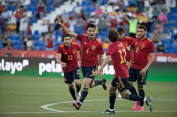 热身-皇马前锋进球 巴萨后卫破门 西班牙4-0大胜
