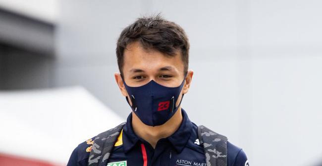 泰国车手阿尔本