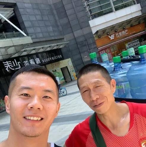 """黄博文广州接头生捉""""塔利斯卡"""" 恒大9号竟在送水?"""