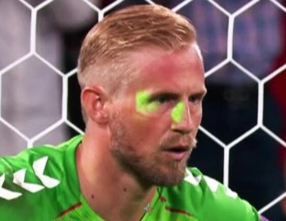 英格兰遭欧足联指控 为球迷劣迹买单 处罚是这个