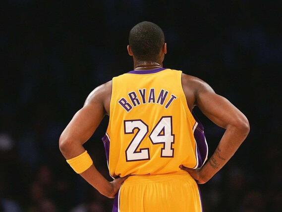 NBA各界人士都在思念科比,包括兰多夫父女