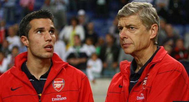 范佩西当年曾想离开曼联,回到阿森纳,可是这笔交易终究没有成功