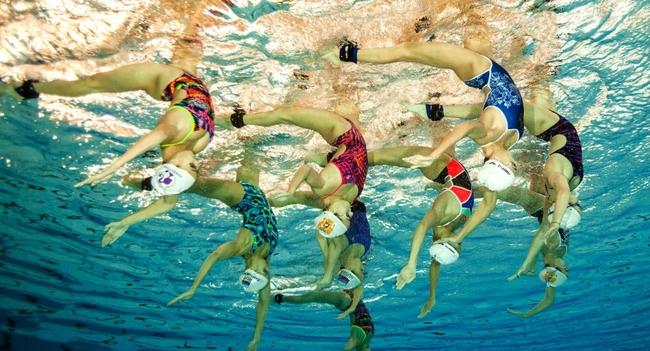 普京祝贺俄花样游泳运动员:延续了优秀传统