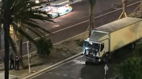 法国欧洲杯举办地尼斯遇恐怖袭击 已有84人死亡