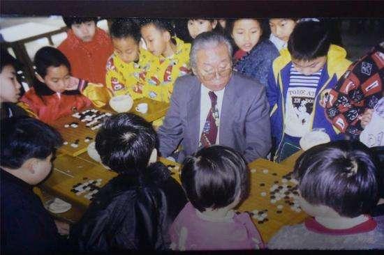 中国围棋的良师好友宫本直毅师长