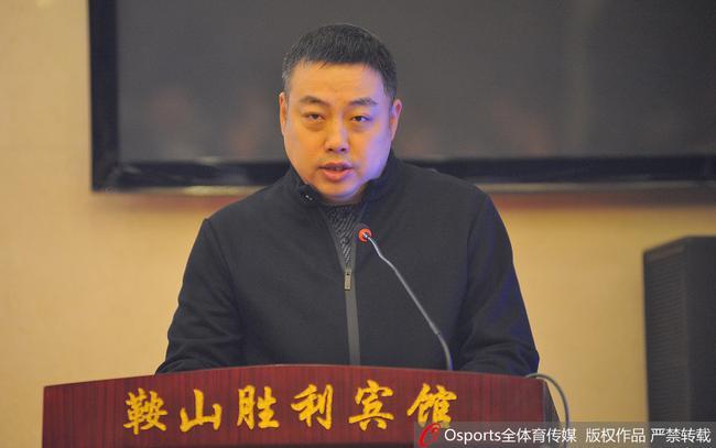 刘国梁继续担任总教练