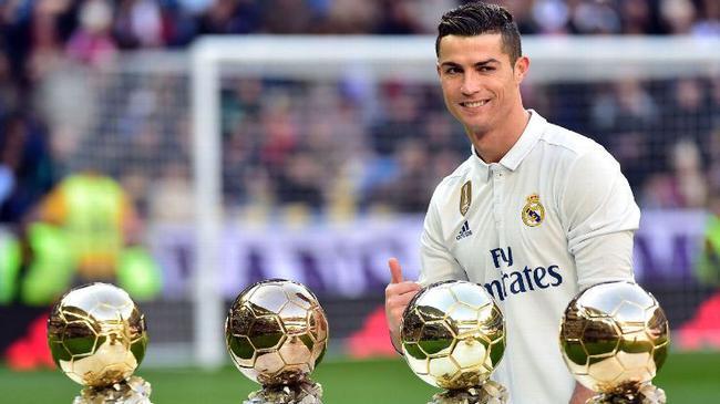 获得几次金球奖_个人荣誉   c罗的4个金球奖已经是四人中最多的了,而且很有可能将获得