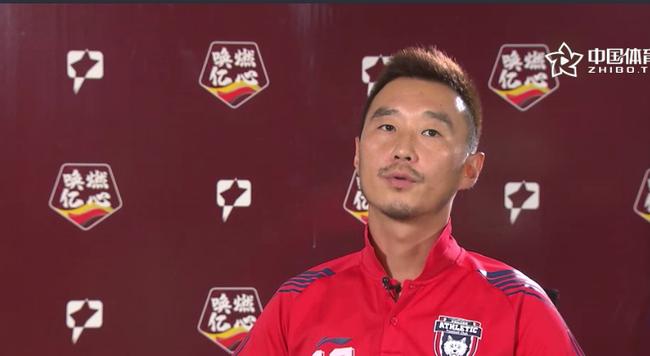 杨昊:中国足球不能只靠老将打拼 需要年轻人顶上来