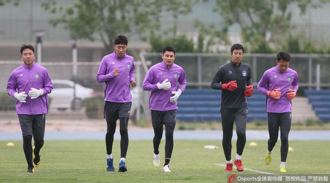 杨君重返泰达或出任守门员教练 曹阳正等待入籍