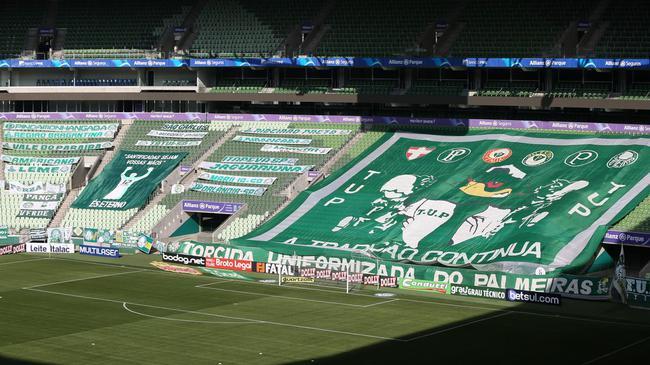 巴西甲级联赛明晨揭幕 该国新冠死亡同日破10万人