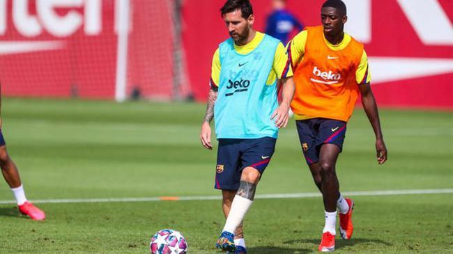 巴萨好消息!梅西恢复正常训练 但腿上仍缠绷带  第1张