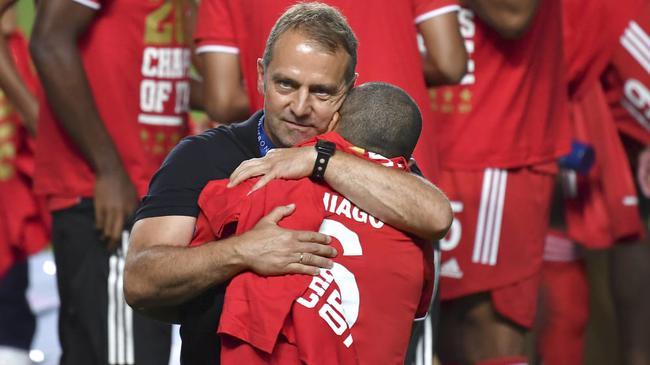 拜仁主帅确认蒂亚戈离队:祝贺利物浦和克洛普