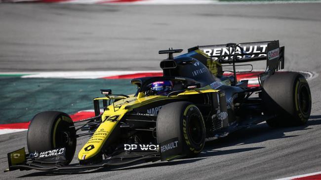 阿隆索驾驶雷诺RS20赛车