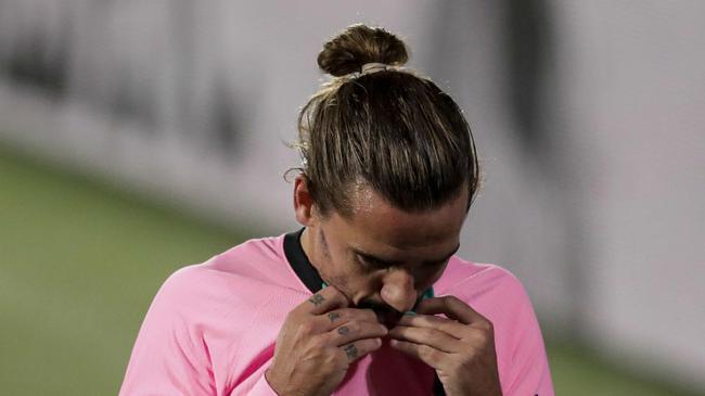 格列兹曼仍是没有进球运 在巴萨近18场1球0助攻