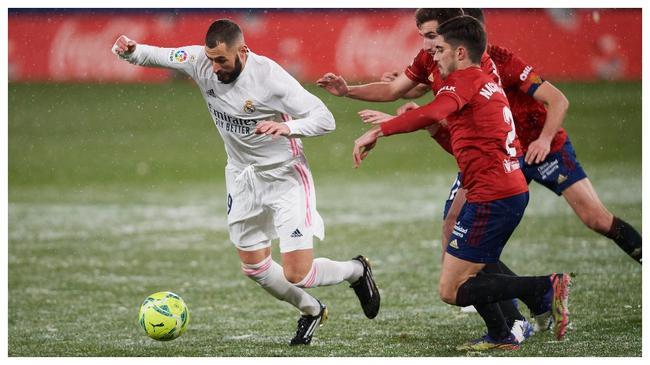皇马新赛季一共37粒进球,本泽马一人打进了12球