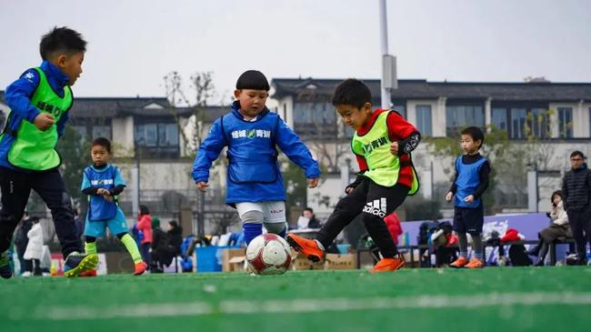 中国足球青训迎推翻变革 打造中国青少年足球联赛