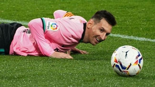梅西的归队新闻闹得沸反盈天,但最终巴萨拒绝放梅西离开