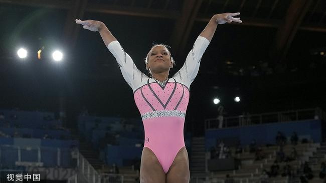 女子跳马决赛巴西选手夺冠 韩国选手高难度夺铜