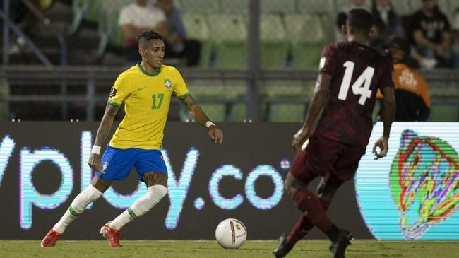 巴西球员首秀一鸣惊人 曼联派B费当说客试图招揽!