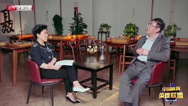 棋圣聂卫平与邓亚萍谈抗癌通过