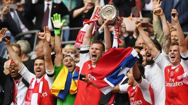 三年之前,阿森纳也捧起了足总杯冠军