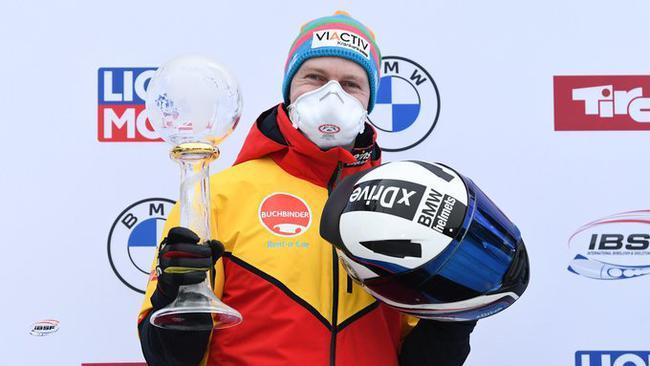 冬奥会和世锦赛冠军、德国名将弗雷德里希与队友取得该站冠军