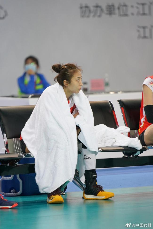 丁霞谦善回应被赞世界顶级 惋惜停步全锦赛八强