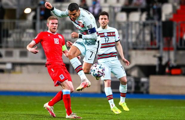 C罗进球,葡萄牙3-1逆转