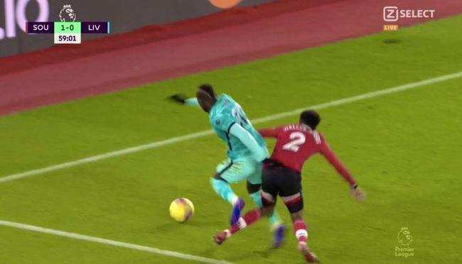 【博狗体育】利物浦两个点球被黑!克洛普开炮:换成曼联就判了