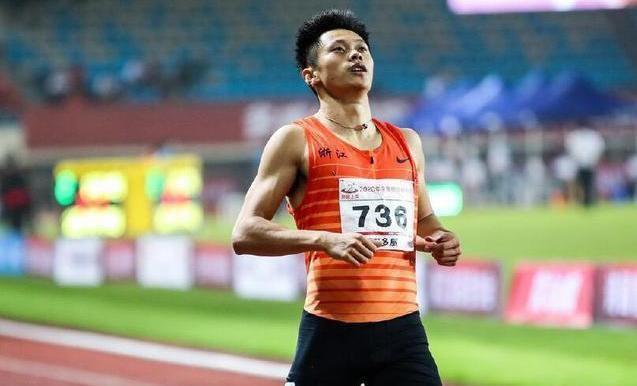 全锦赛谢震业无悬念问鼎双冠 孔令微200米四年三金