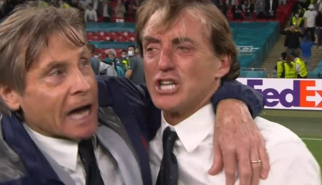曼奇尼哭了:从不敢这么想 与维亚利友谊超越一切